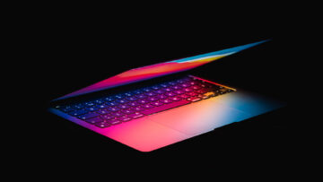 Open laptop for serial position effect